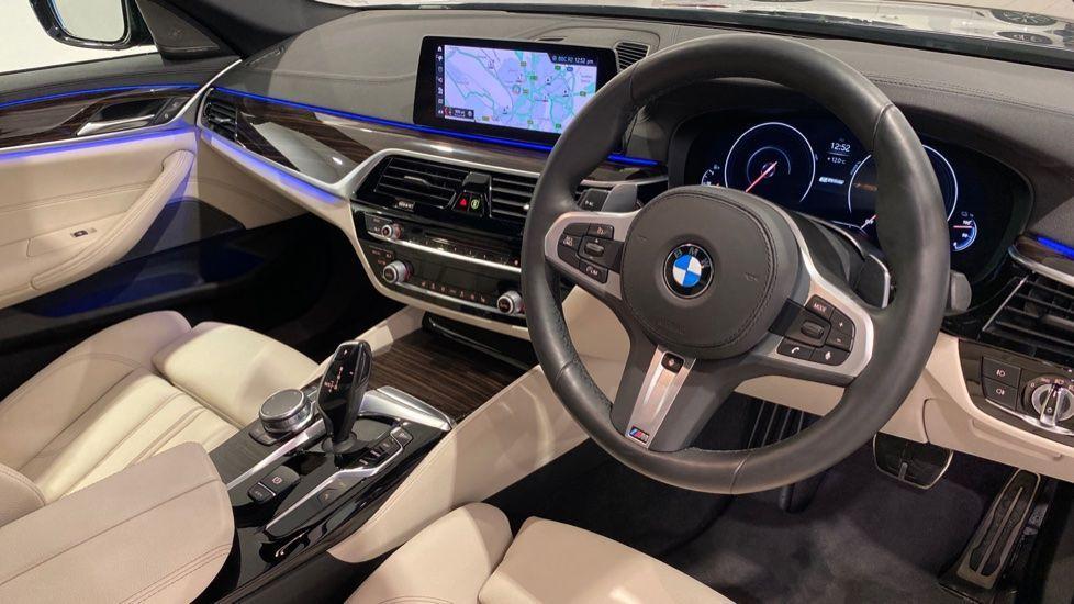 Image 4 - BMW 530e M Sport iPerformance Saloon (YD68YVA)