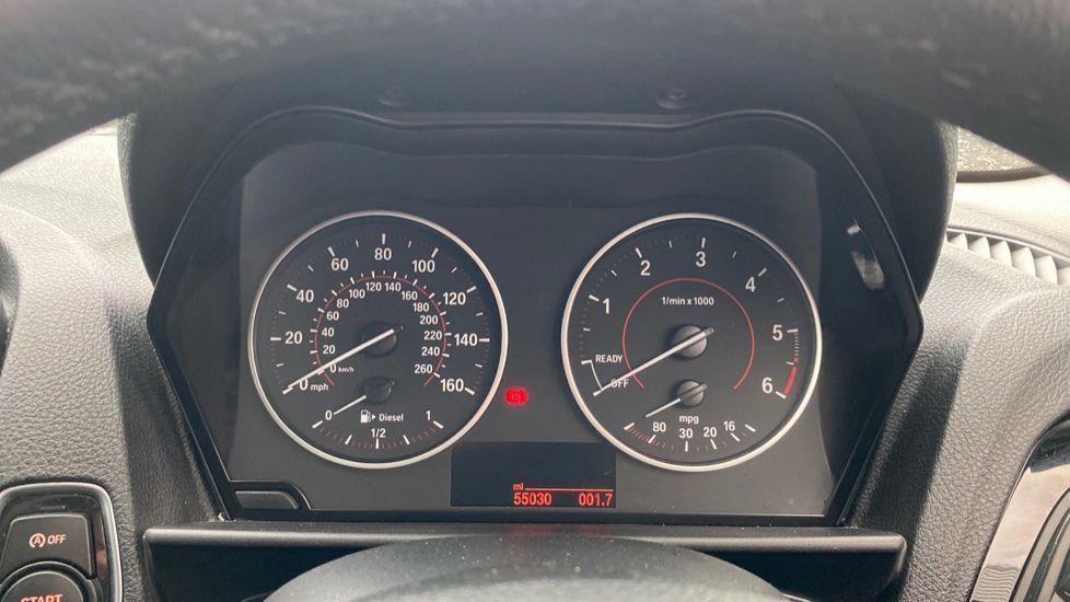 Image 9 - BMW 118d Sport 5-Door (NL67GSV)