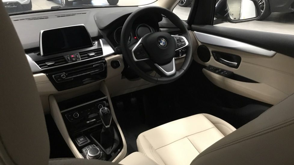 Image 6 - BMW 218i Luxury Active Tourer (PJ20PVX)