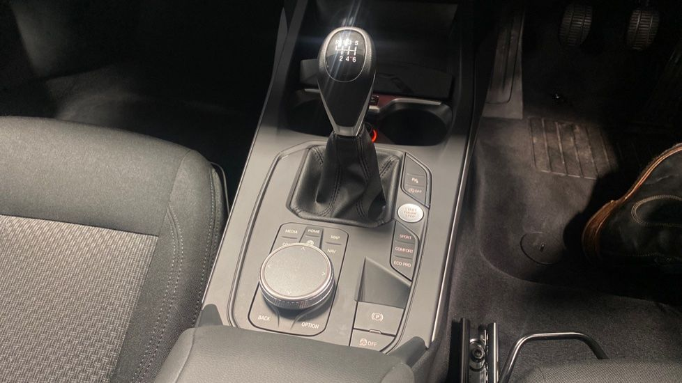 Image 10 - BMW 116d SE (YC69DVK)