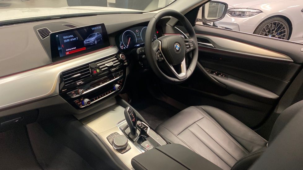 Image 6 - BMW 520d SE Touring (YC20VWA)