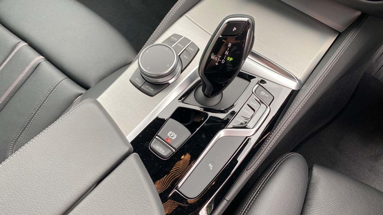 Image 9 - BMW 520d M Sport Saloon (MT20HJO)