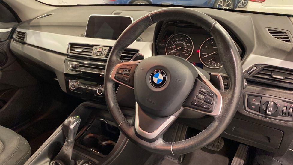 Image 4 - BMW xDrive18d SE (LR67YKY)