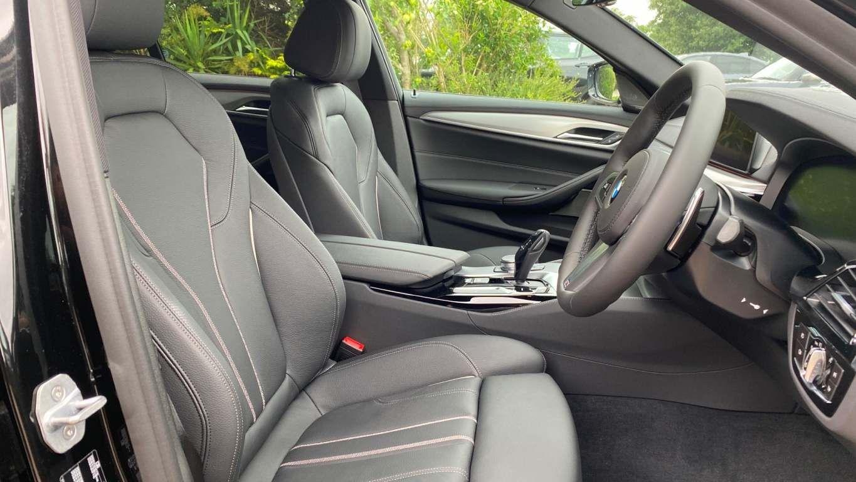 Image 10 - BMW 520d M Sport Saloon (MT20HJO)