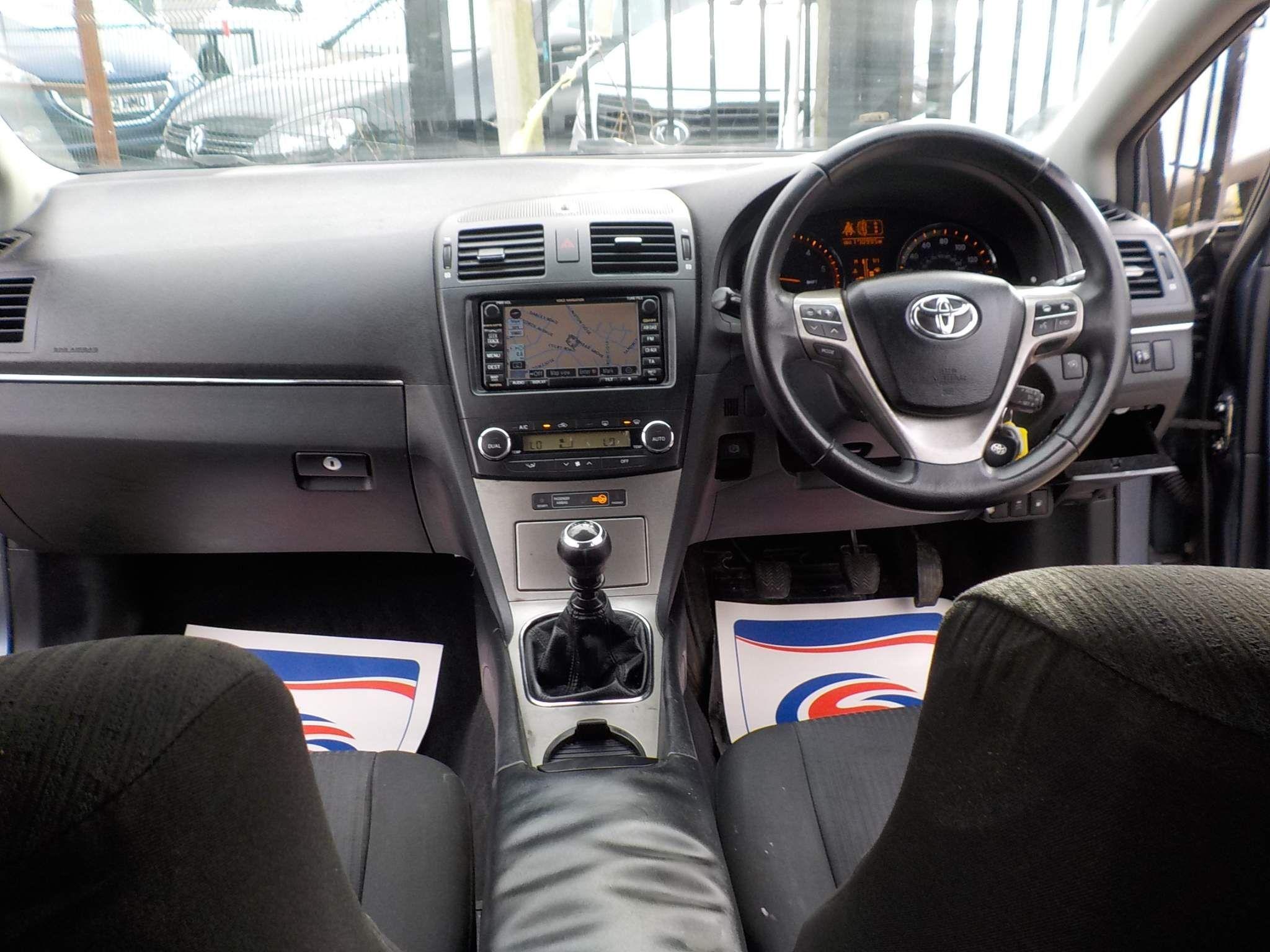Toyota Avensis 2.2 D-4D TR 5dr