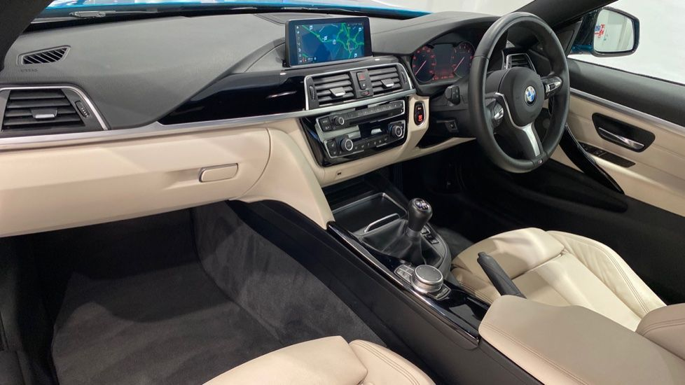 Image 12 - BMW 420i M Sport Coupe (YB69EXH)