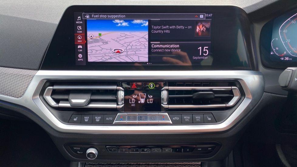 Image 7 - BMW 320i M Sport Saloon (YH20FLJ)