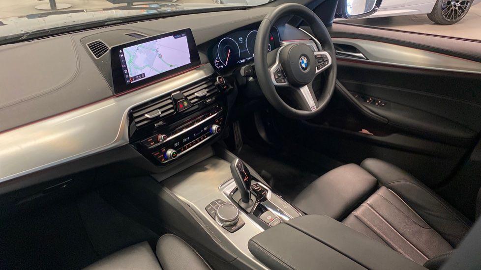 Image 6 - BMW 520i M Sport Saloon (YJ69VAC)