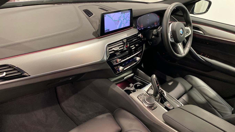 Image 27 - BMW 520d M Sport Saloon (YA69FKW)