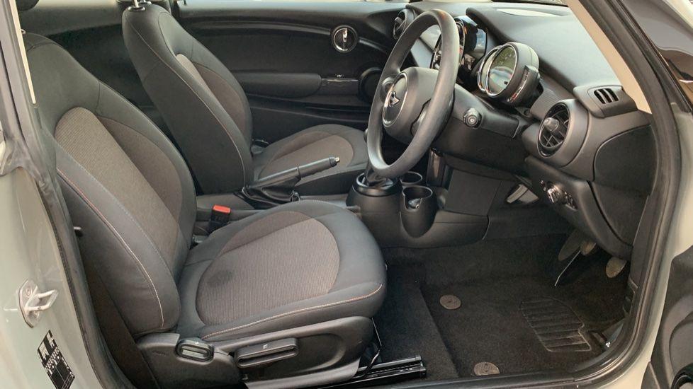 Image 11 - MINI Hatch (CX18SWF)