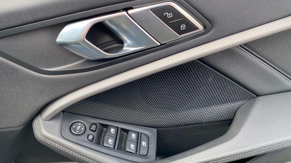 Image 19 - BMW 118i M Sport (YB69VFJ)