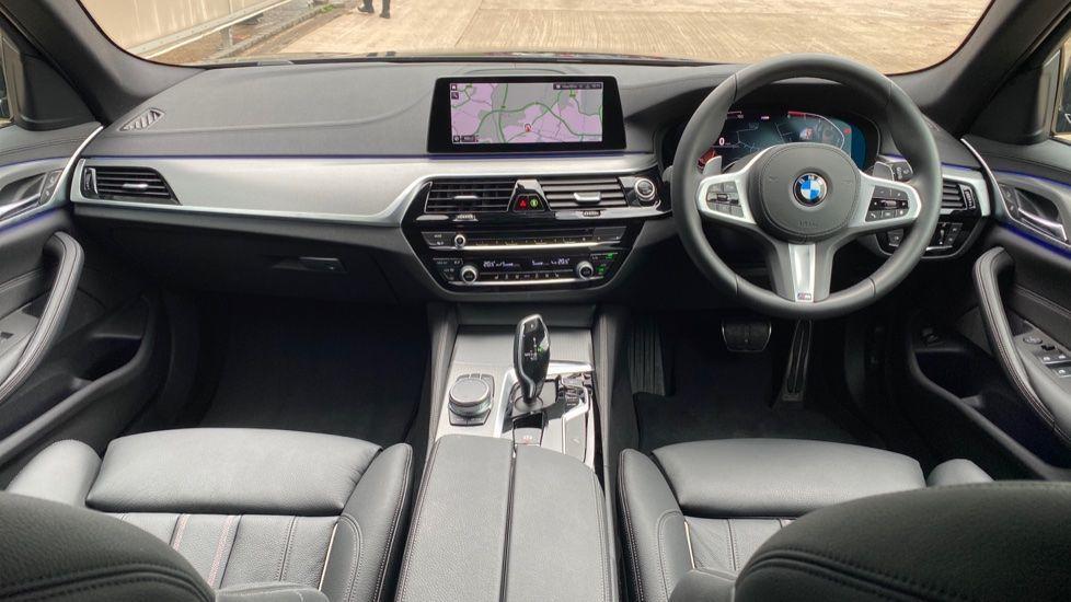Image 4 - BMW 520d M Sport Touring (YD69ADN)