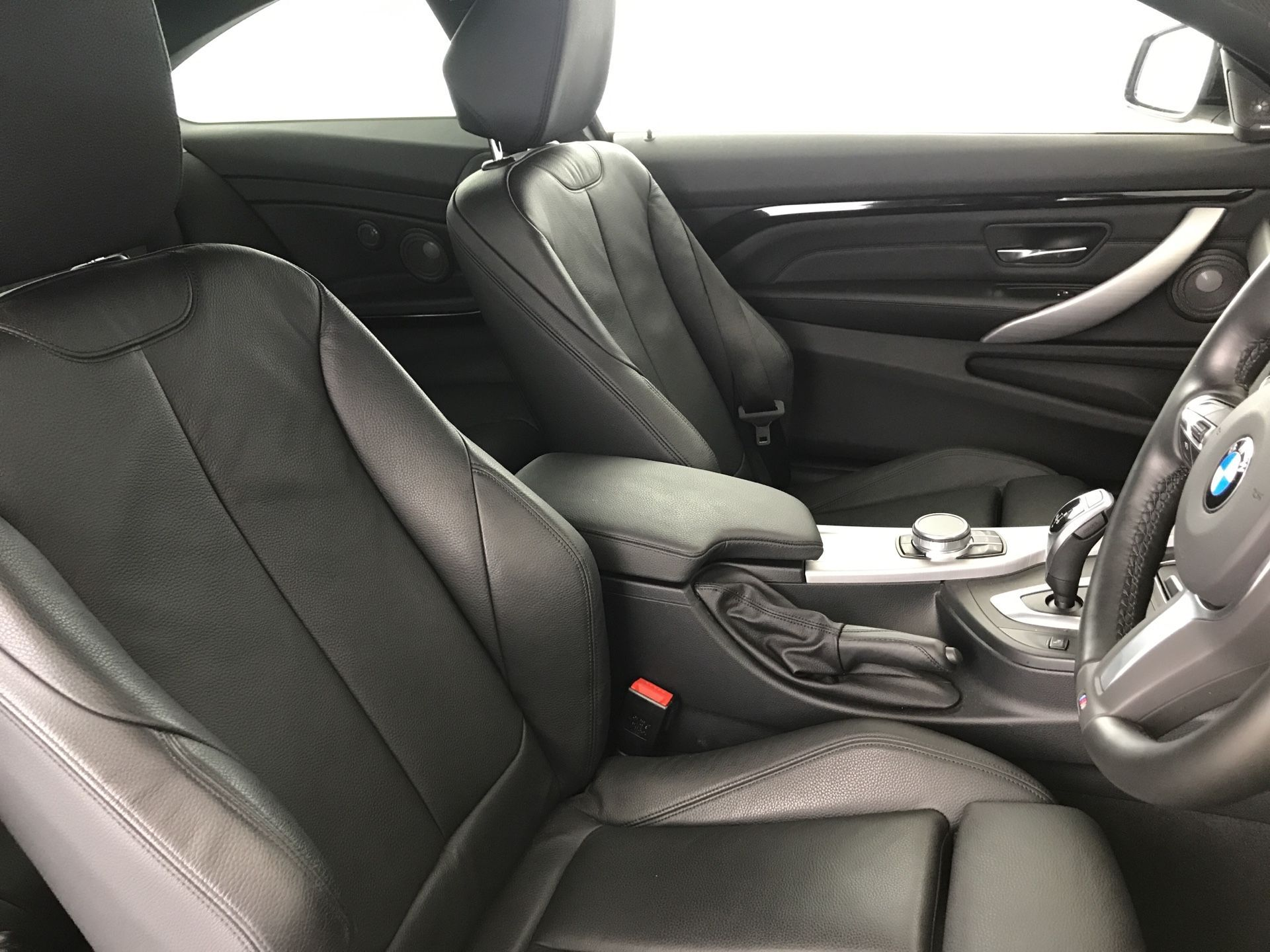 Image 8 - BMW 430d M Sport Coupe (YE19CCD)