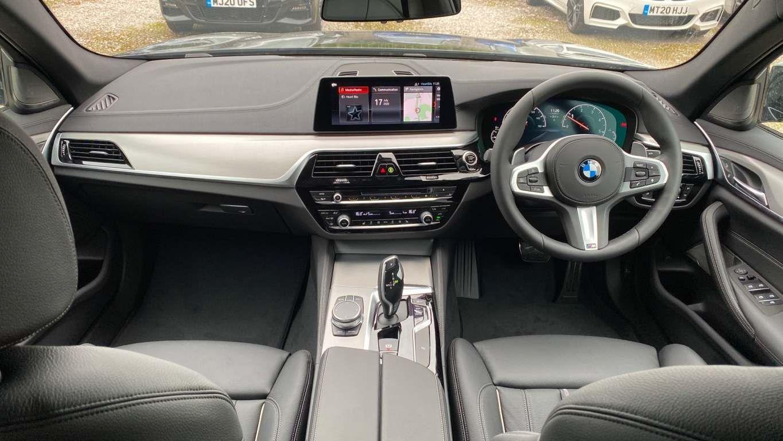 Image 15 - BMW 520d M Sport Saloon (MT20HJO)