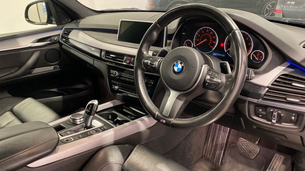 Image 4 - BMW xDrive40e M Sport (LG67FMY)