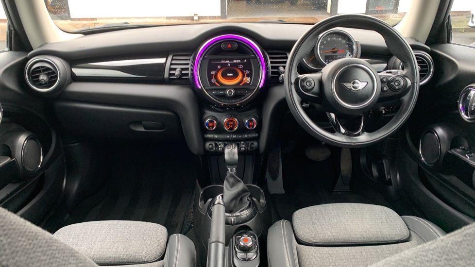 Image 4 - MINI Hatch (MV65FXH)