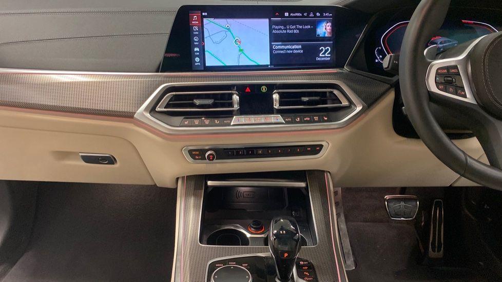 Image 7 - BMW xDrive40i M Sport (YE20DWY)