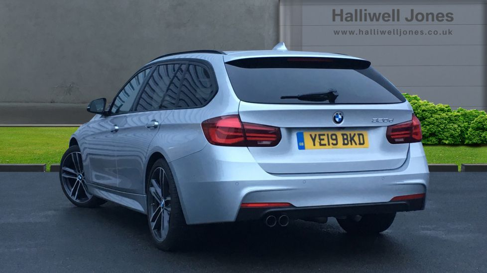 Image 2 - BMW 320d M Sport Shadow Edition Touring (YE19BKD)