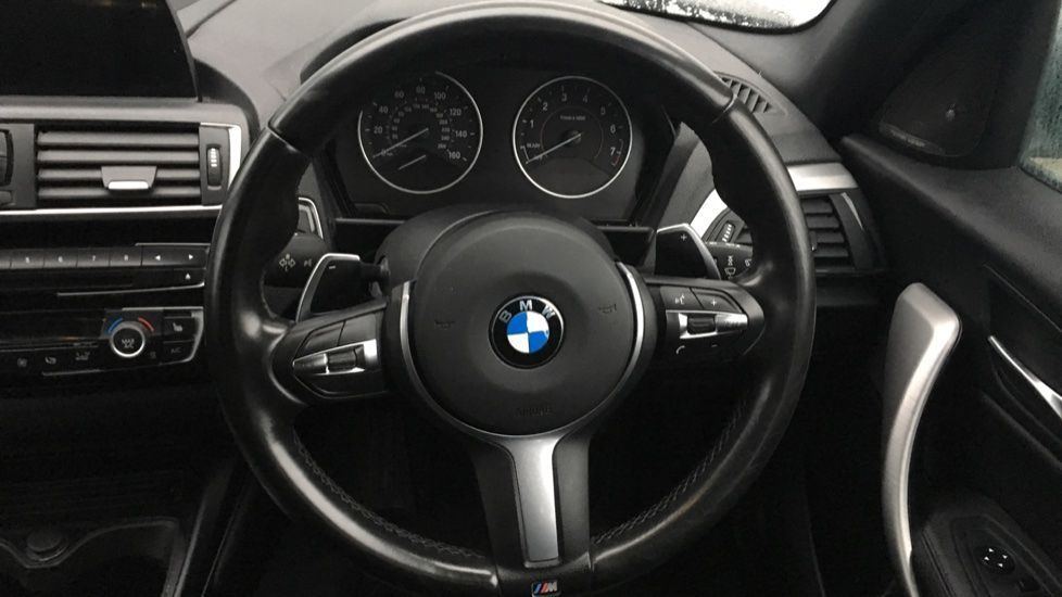 Image 28 - BMW M140i 5-door (MF17NPO)