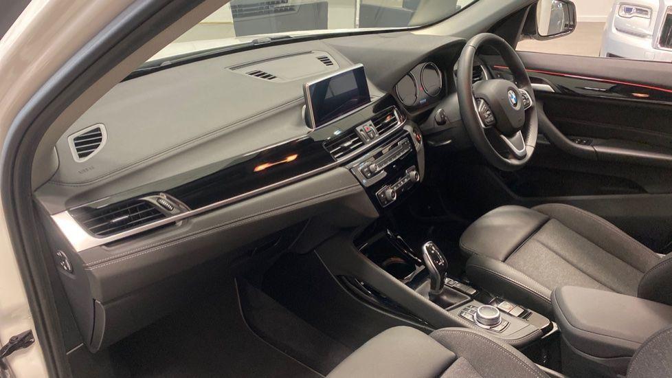 Image 6 - BMW sDrive18i Sport (YH20PYY)