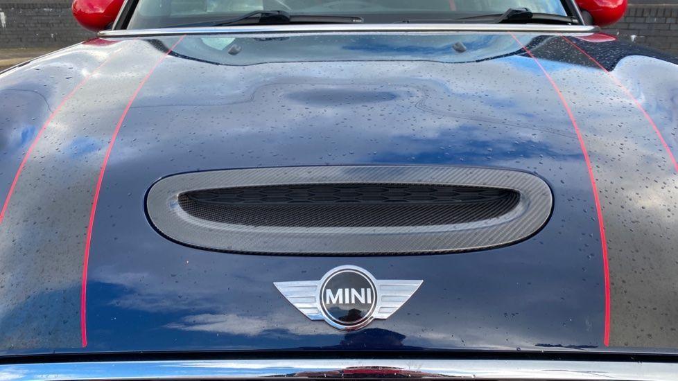 Image 24 - MINI Hatch (SA67VFG)