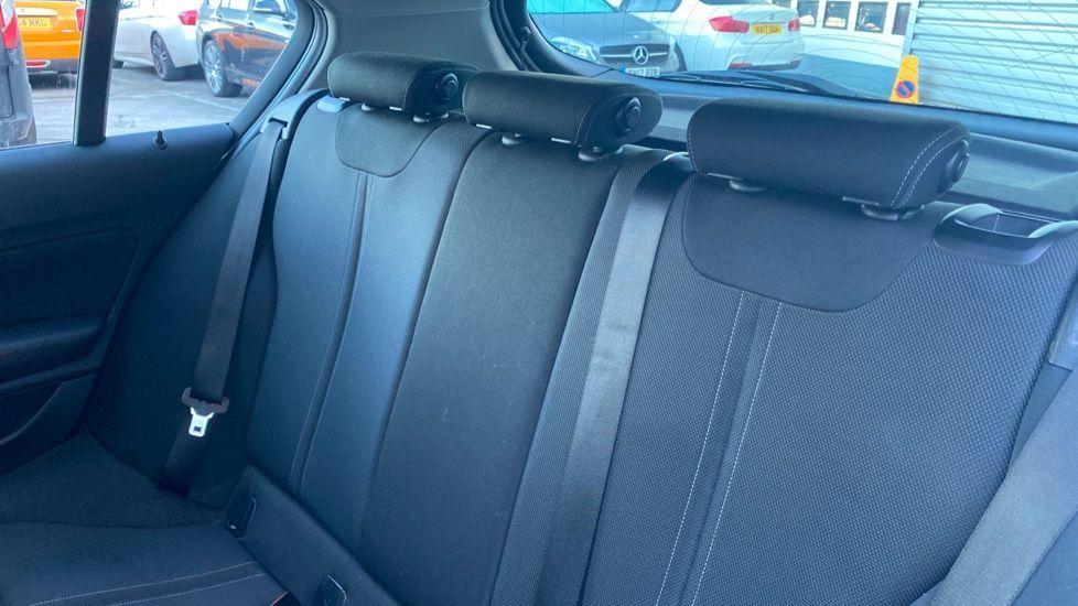 Image 12 - BMW 118i Sport 5-door (ML68OLU)