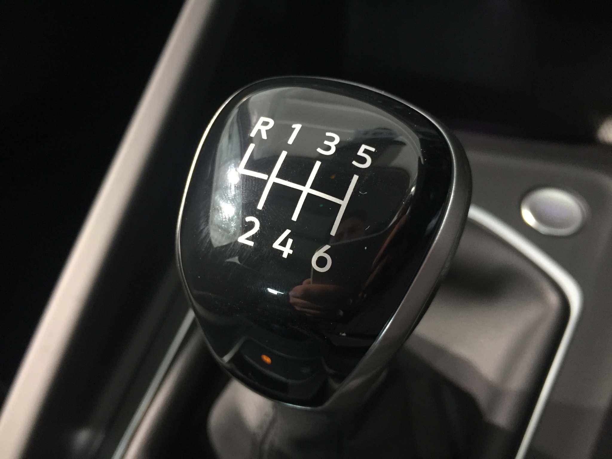 Volkswagen Golf Images