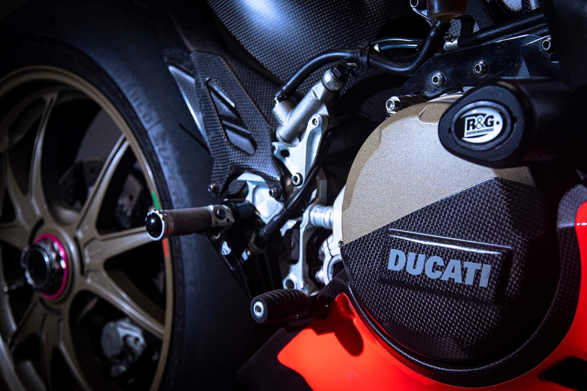 Ducati Superleggera Images