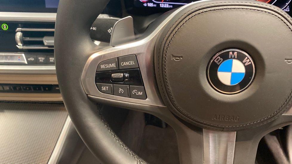 Image 17 - BMW 320i M Sport Touring (YG20JLV)