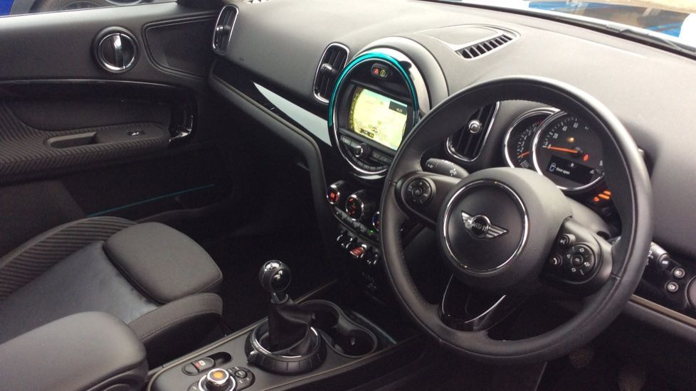 Image 7 - MINI Countryman (CX18XVP)