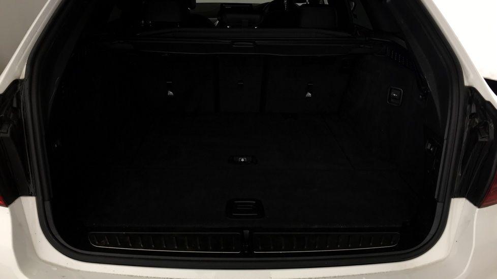 Image 13 - BMW 520d M Sport Touring (YB69VCJ)