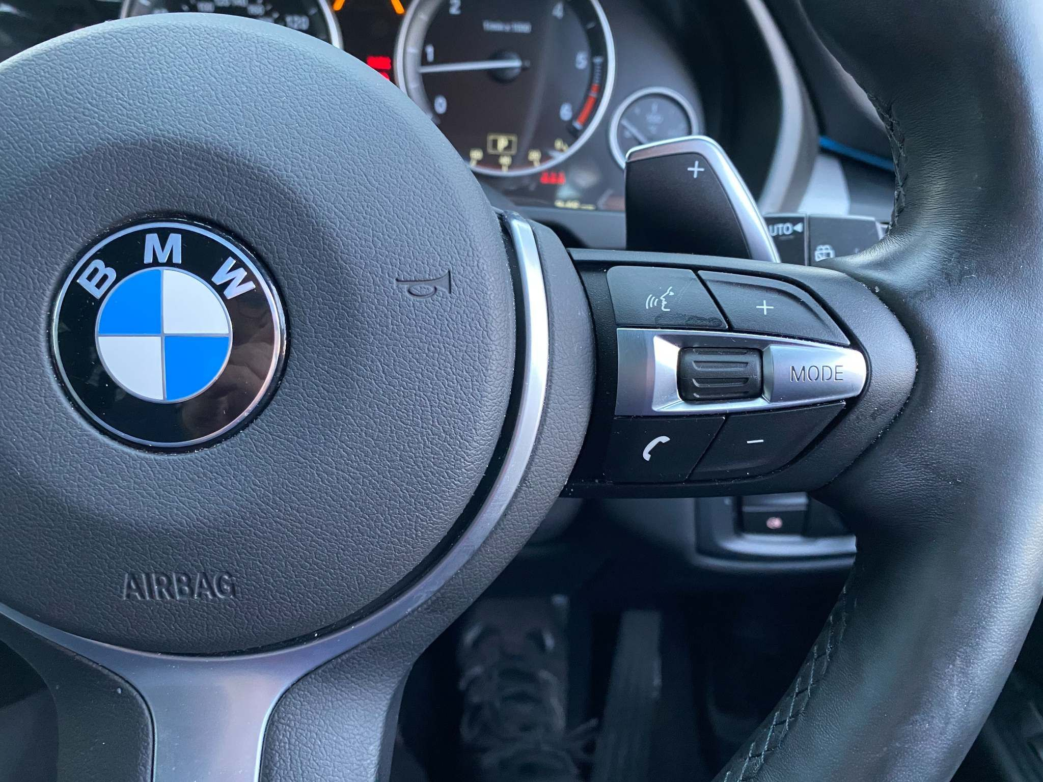 Image 22 - BMW xDrive40d M Sport (MM18LNX)