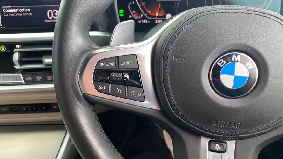 Image 17 - BMW 320i M Sport Saloon (LR19JPO)