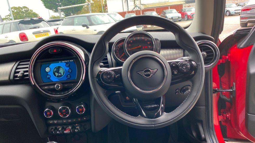 Image 8 - MINI Hatch (DK20JZR)