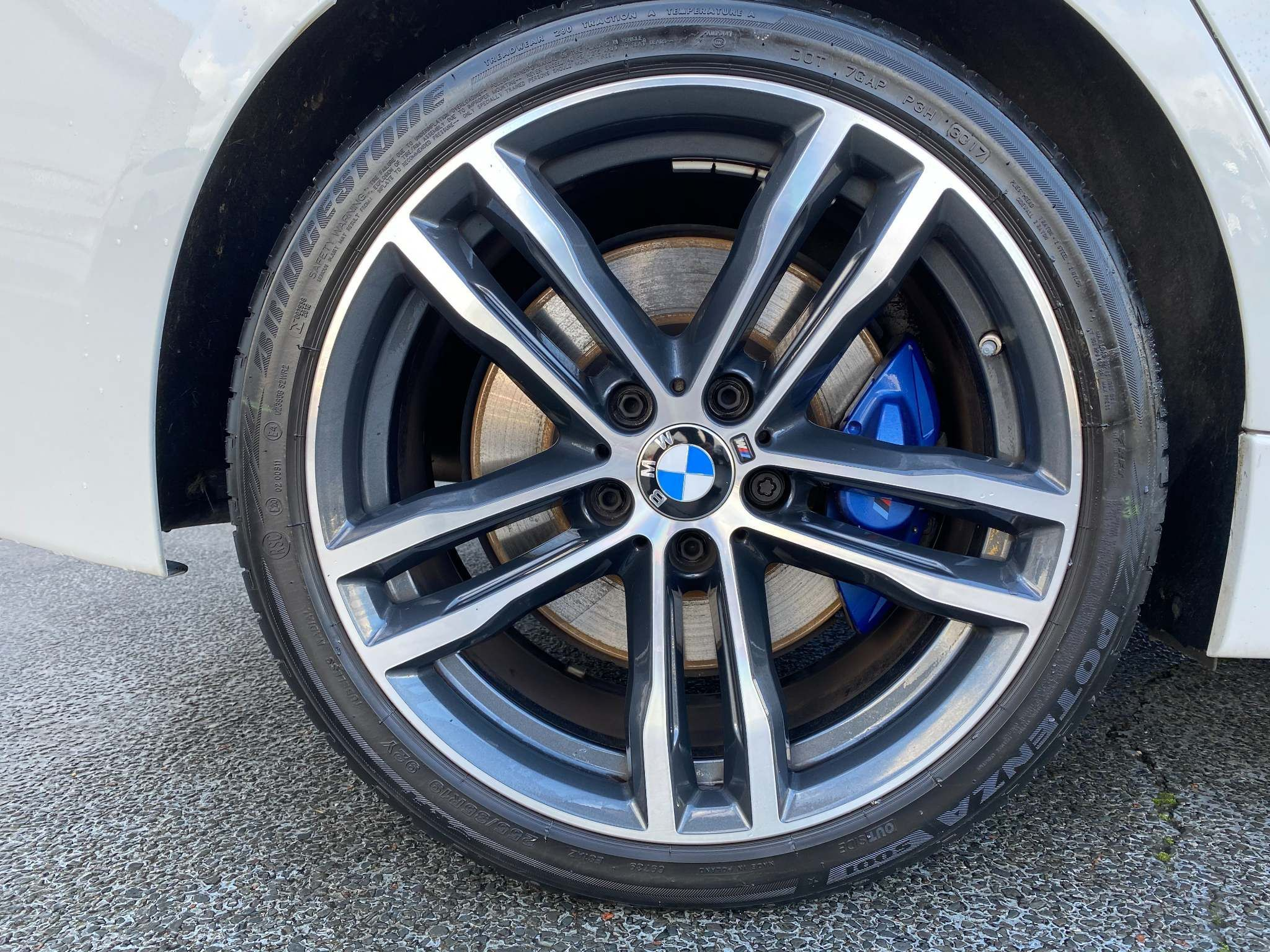 Image 18 - BMW 320d M Sport Shadow Edition Saloon (ML67ZKY)