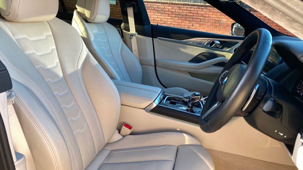 Image 11 - BMW 840i Gran Coupe (YE69WNX)