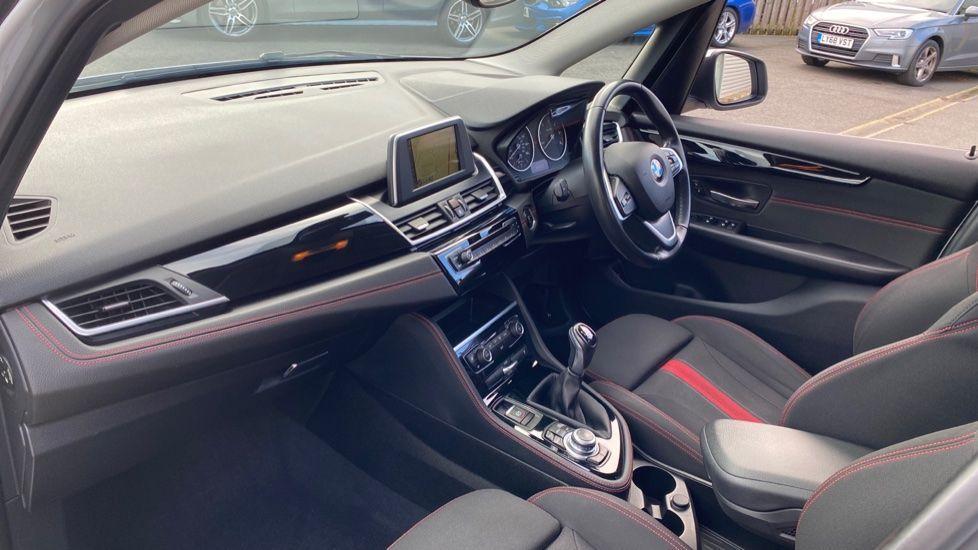 Image 6 - BMW 218d Sport Active Tourer (MM64WGE)