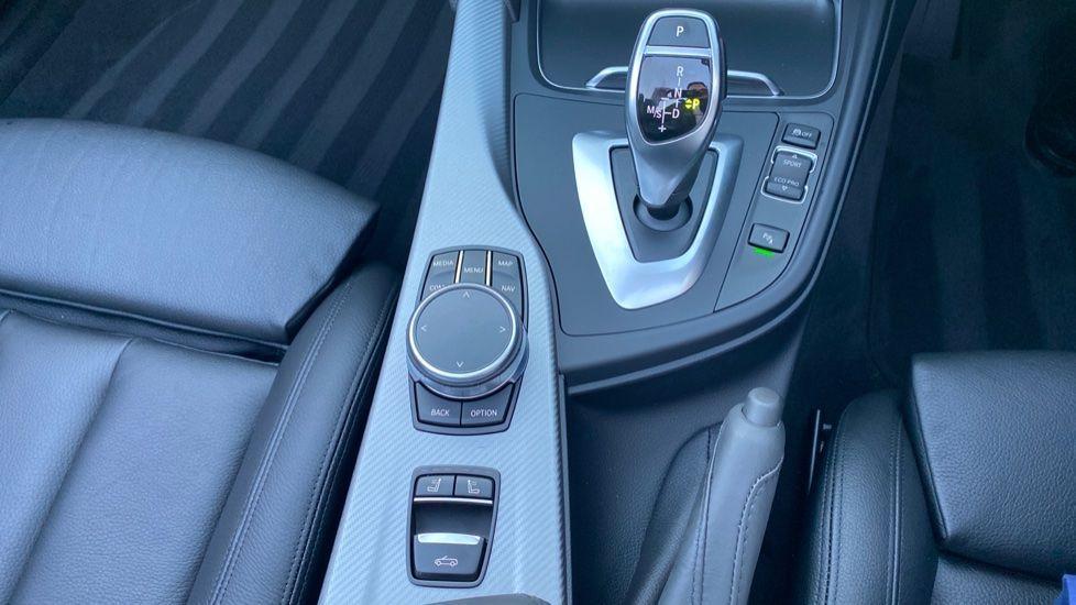 Image 10 - BMW 420d M Sport Convertible (CX20KCV)