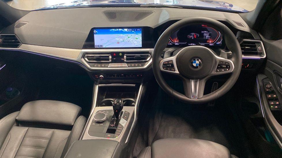 Image 4 - BMW 320i M Sport Saloon (YG20NWC)