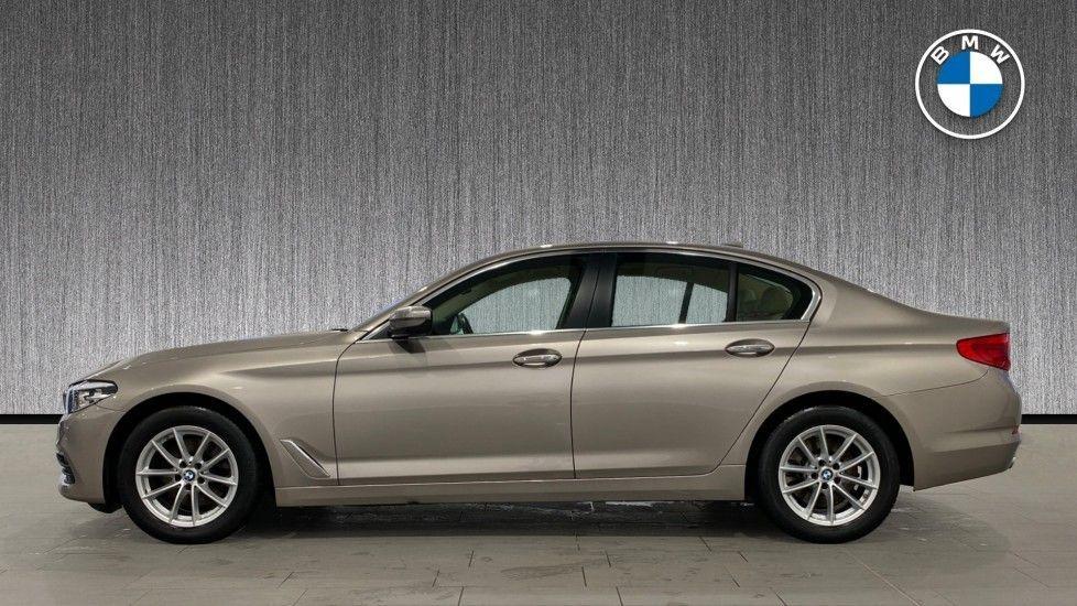 Image 3 - BMW 520d SE Saloon (DC17AUK)
