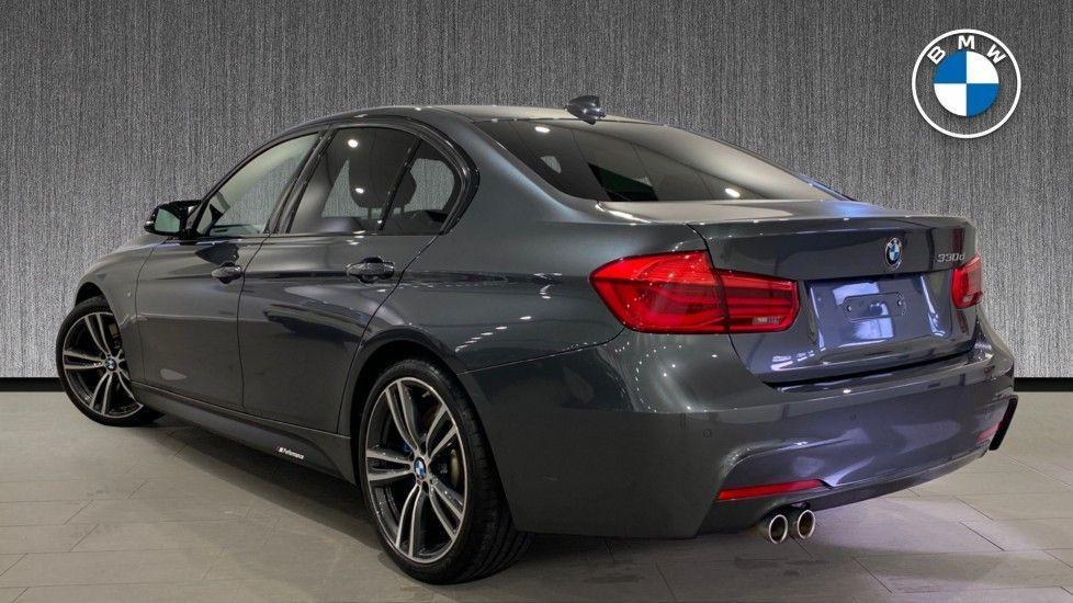 Image 2 - BMW 330d M Sport Saloon (MM17UNE)