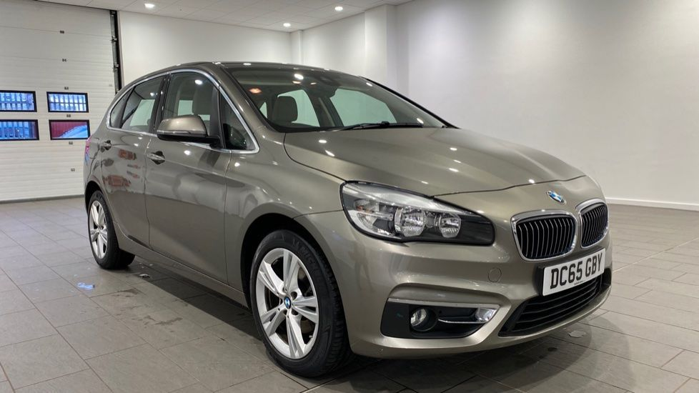 Image 11 - BMW 216d Luxury Active Tourer (DC65GBY)