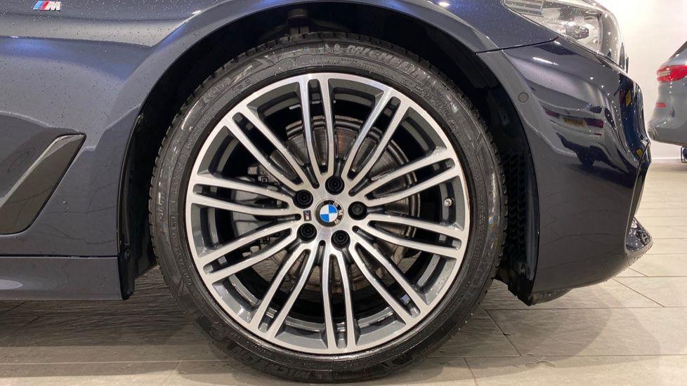 Image 14 - BMW 520d M Sport Touring (YB69DWD)