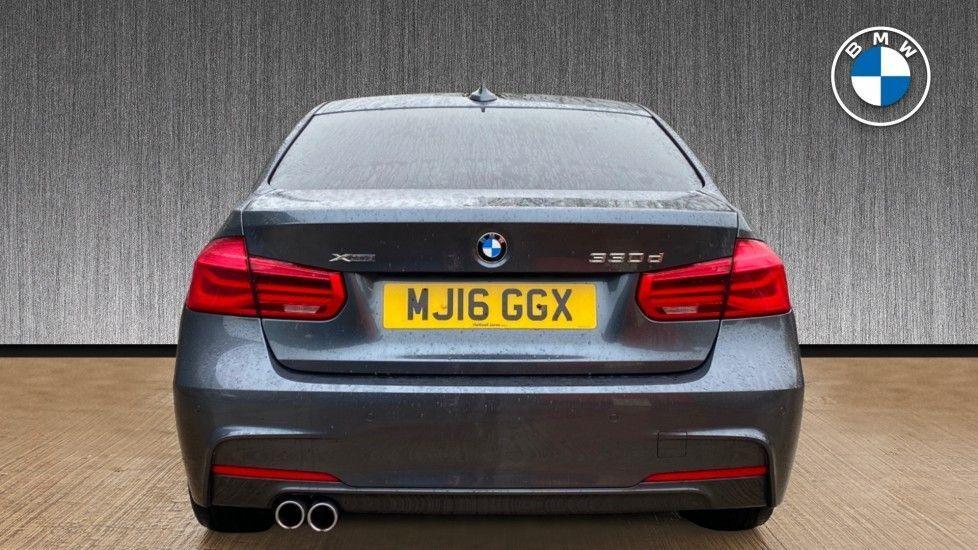 Image 15 - BMW 330d xDrive M Sport Saloon (MJ16GGX)