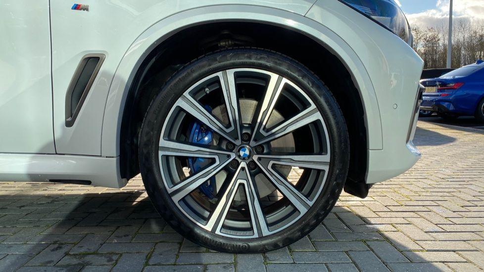 Image 14 - BMW M50d (CY19VPM)