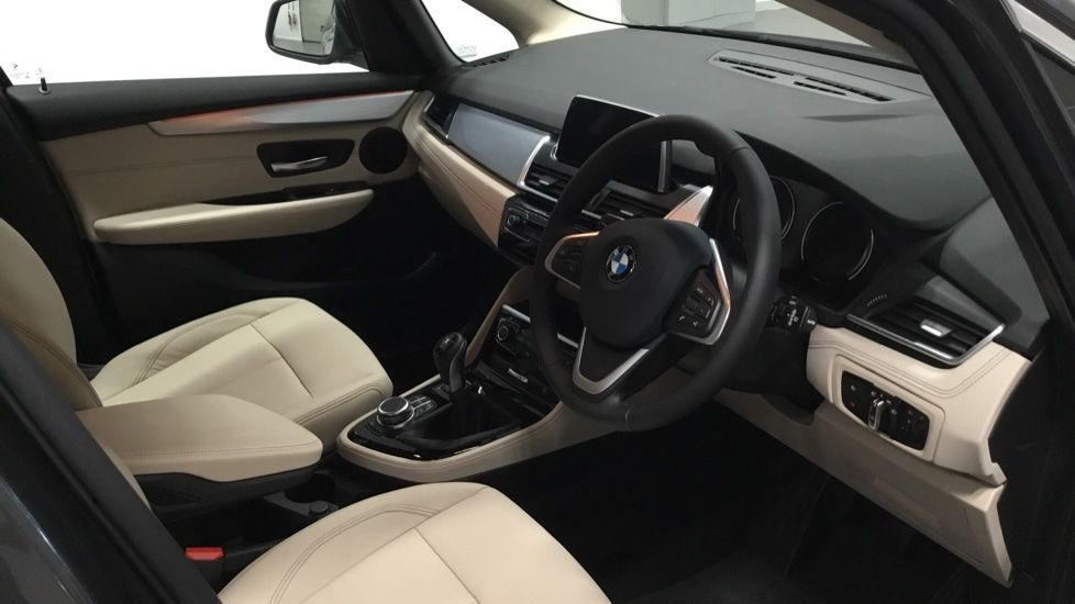 Image 5 - BMW 218i Luxury Active Tourer (PJ20PVX)