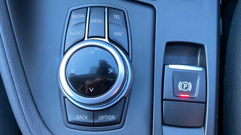 Image 11 - BMW sDrive18d SE (CX66WGJ)