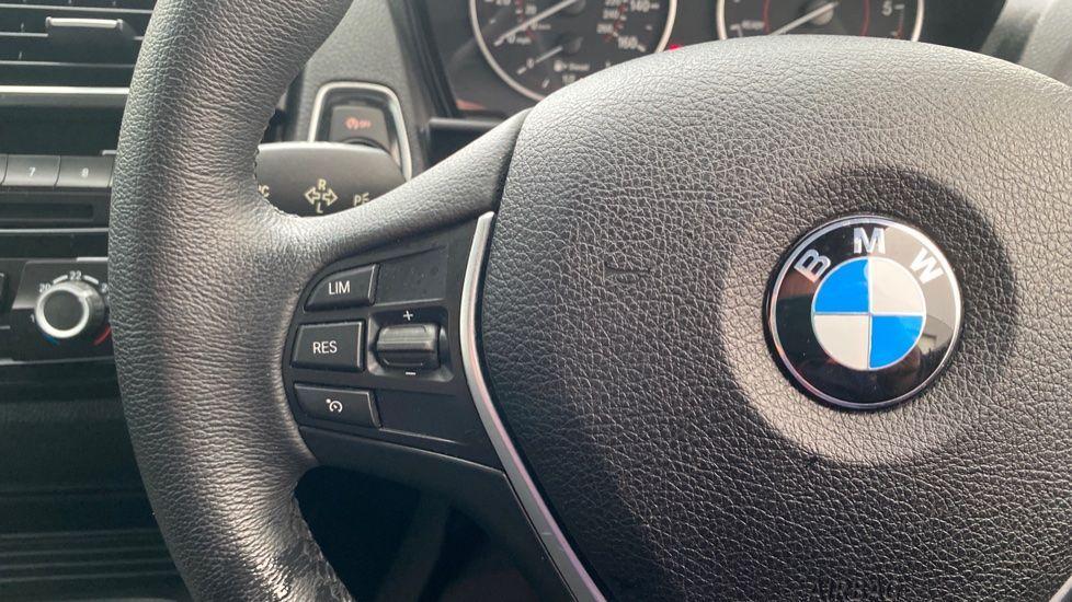 Image 17 - BMW 118d Sport 5-Door (NL67GSV)