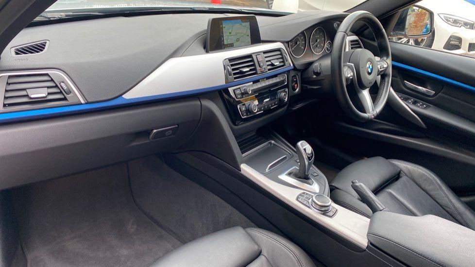 Image 6 - BMW 330d M Sport Saloon (KM68CBY)