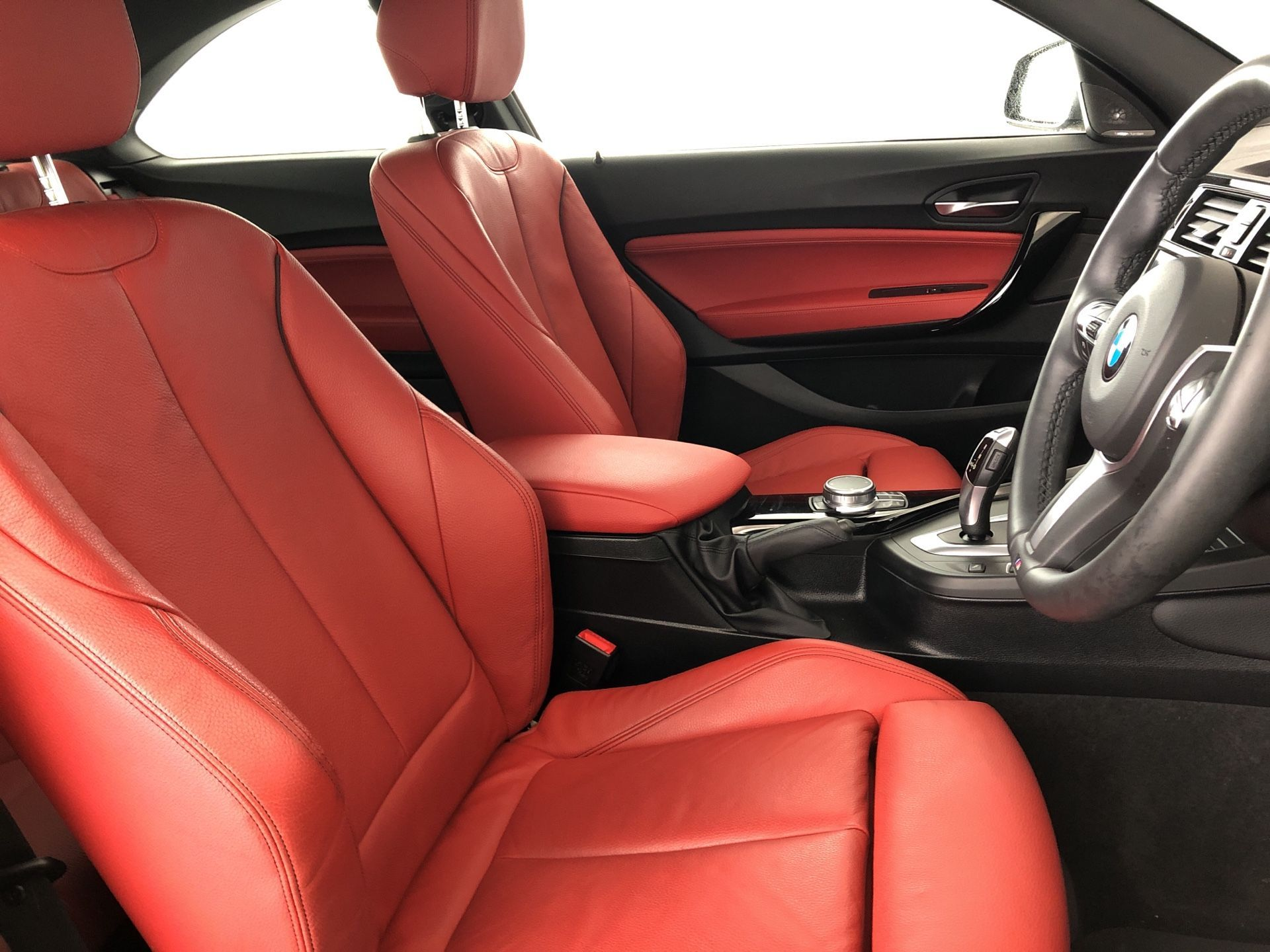 Image 8 - BMW 218d M Sport Coupe (YJ19MMP)